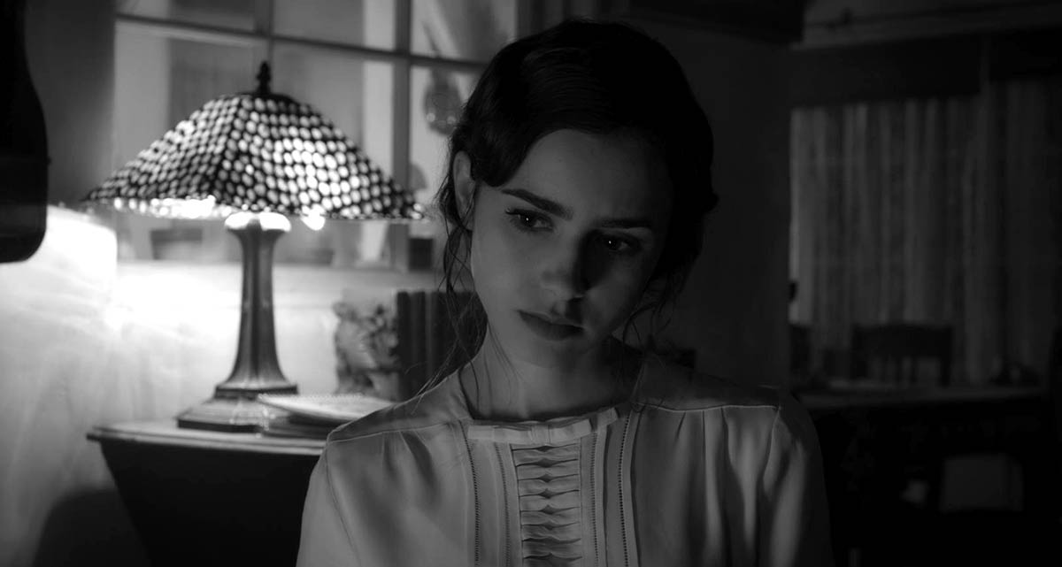 Lily Collins interpreta l'assistente di Mank